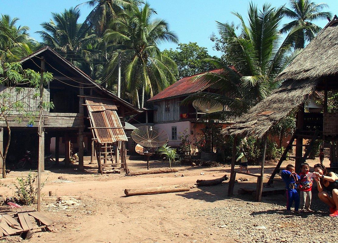 Un projet sympa à venir : laosvo.com