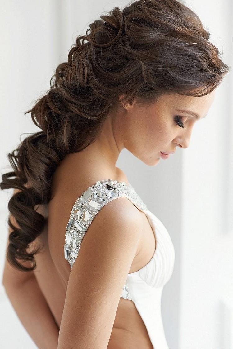 Coiffure pour mariage j 39 ai l 39 air chic et soign en quelques secondes - Coiffure simple mariage invite ...