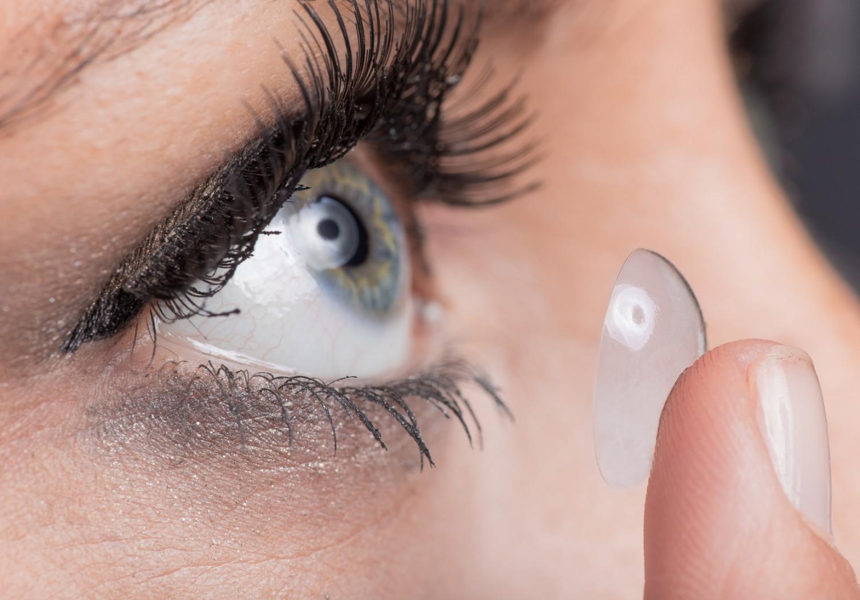 Lentille de contact : lentilles VS lunettes