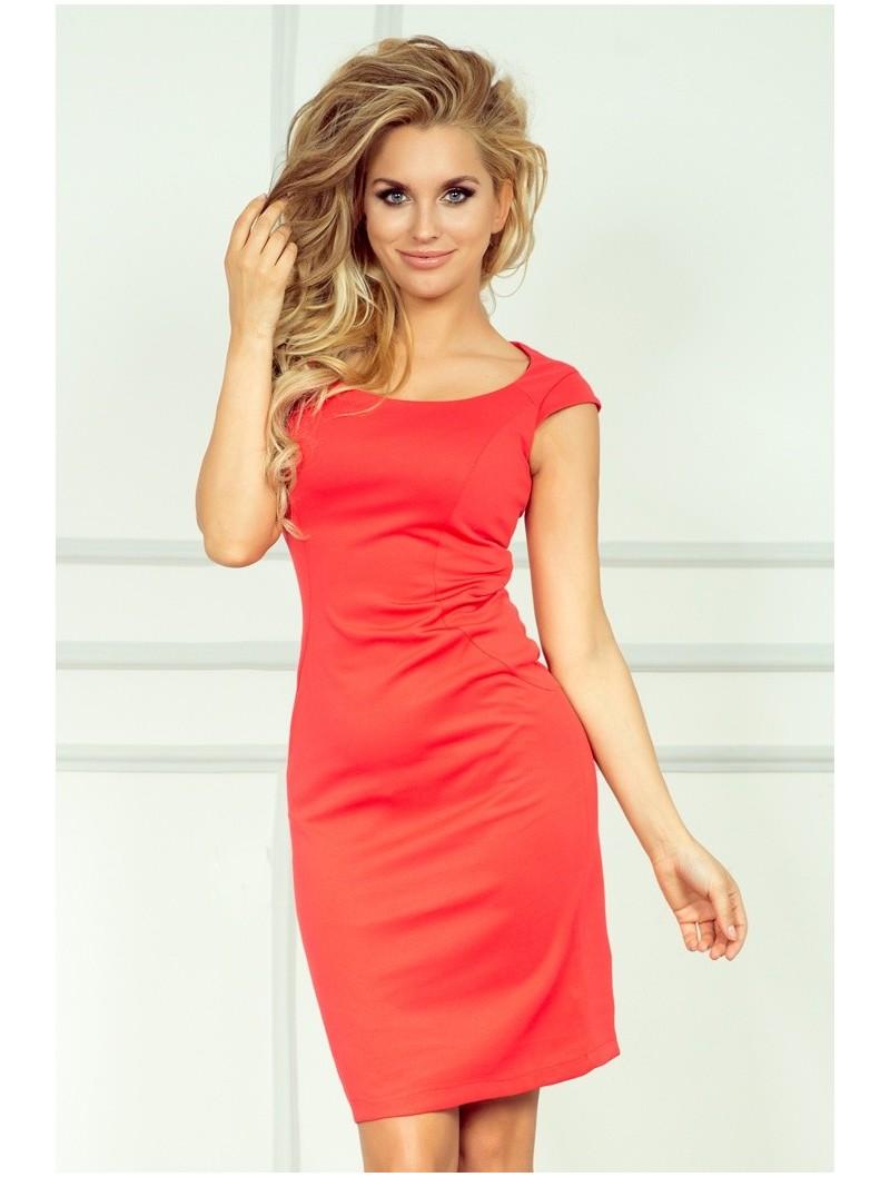 Bien porter une robe corail